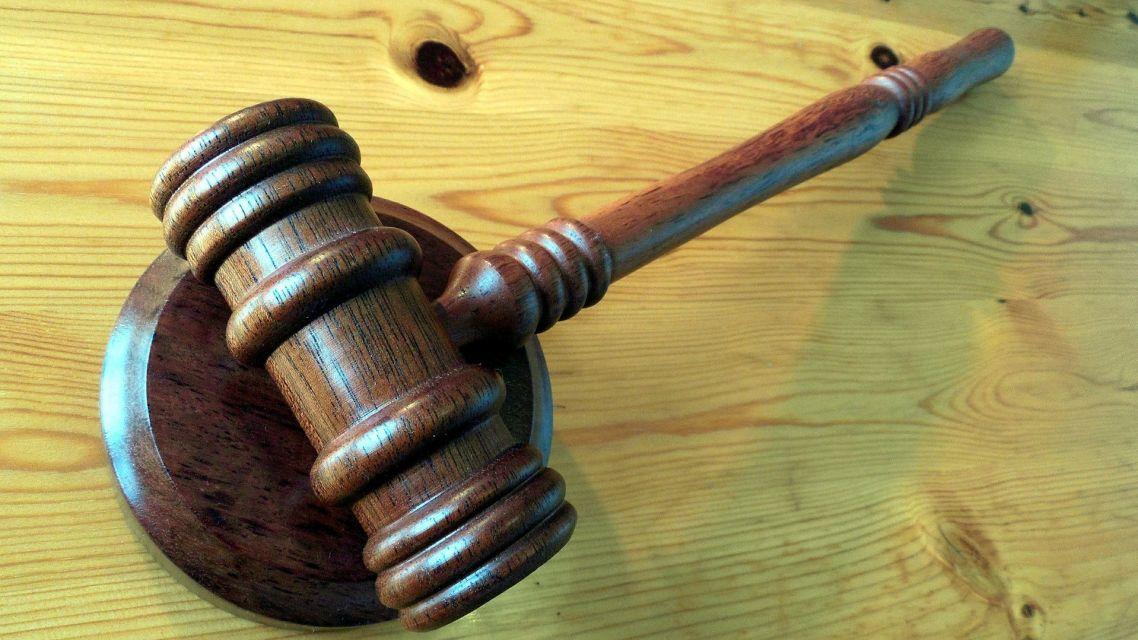 Oznámenie súvisiace s dražbou majetku podliehajúceho konkurzu